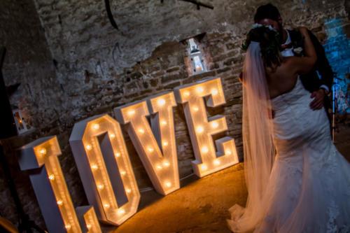barn-lights-love
